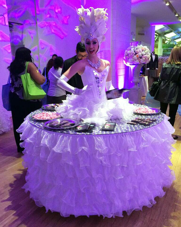 Wedding salon premier luxury bridal show all in the blush for Wedding salon