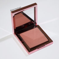 Cheek Chic Color & Contour Powder Blush